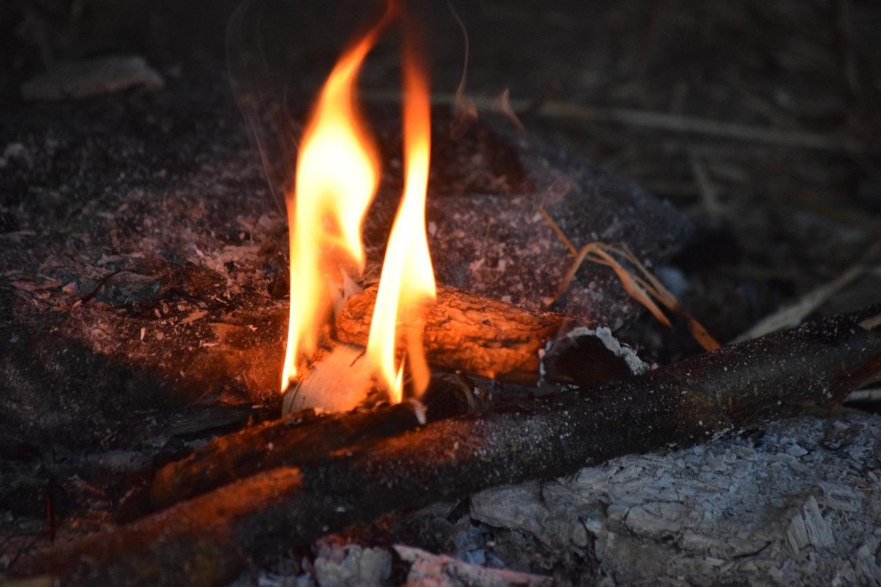 пламя огонь